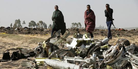Hé lộ 9 giây định mệnh trước khi máy bay Boeing 737 MAX 8 ở Ethiopia lao như tên bắn, cắm đầu xuống đất - Ảnh 2