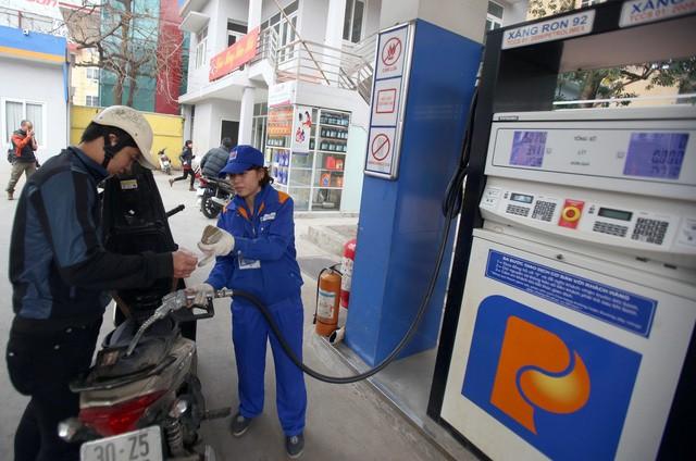 Giá xăng, điện tăng mạnh: Cần chấm dứt chuyện độc quyền - Ảnh 1