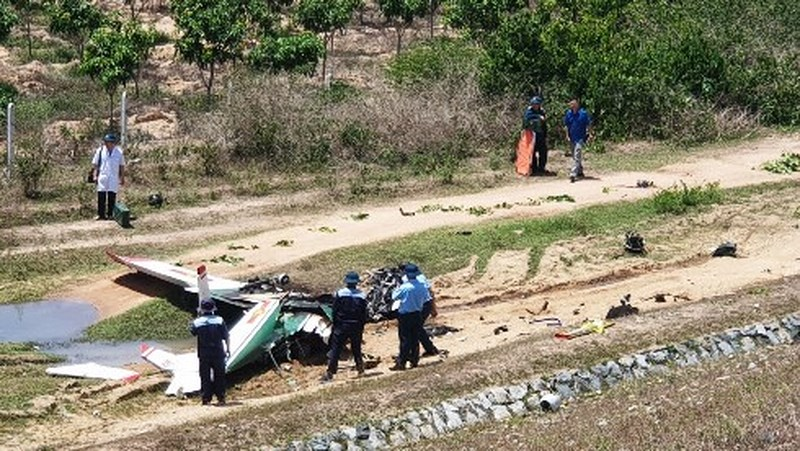 Ám ảnh hiện trường máy bay quân sự rơi ở Khánh Hòa khiến 2 phi công tử vong - Ảnh 1