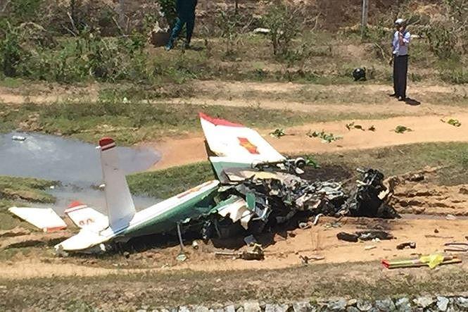 Đề nghị thăng quân hàm cho 2 phi công gặp nạn ở Khánh Hòa - Ảnh 1