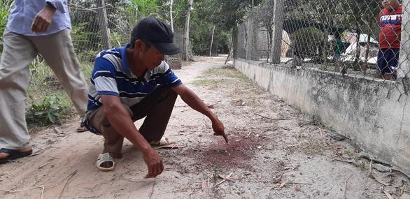 Vụ 3 cha con bị truy sát ở Quảng Nam: Nạn nhân đau đớn kể lại buổi chiều định mệnh cướp đi người cha tần tảo - Ảnh 2