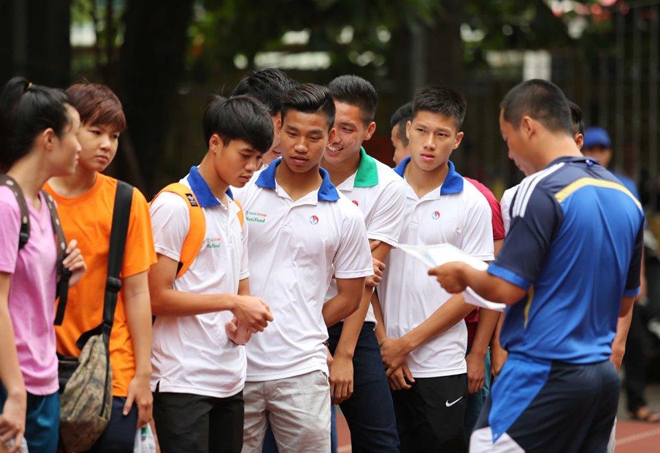 """Rò rỉ hình ảnh """"ngố tàu"""" của dàn tuyển thủ Việt Nam thời còn đi học, """"mặn"""" nhất là Công Phượng - Ảnh 8"""