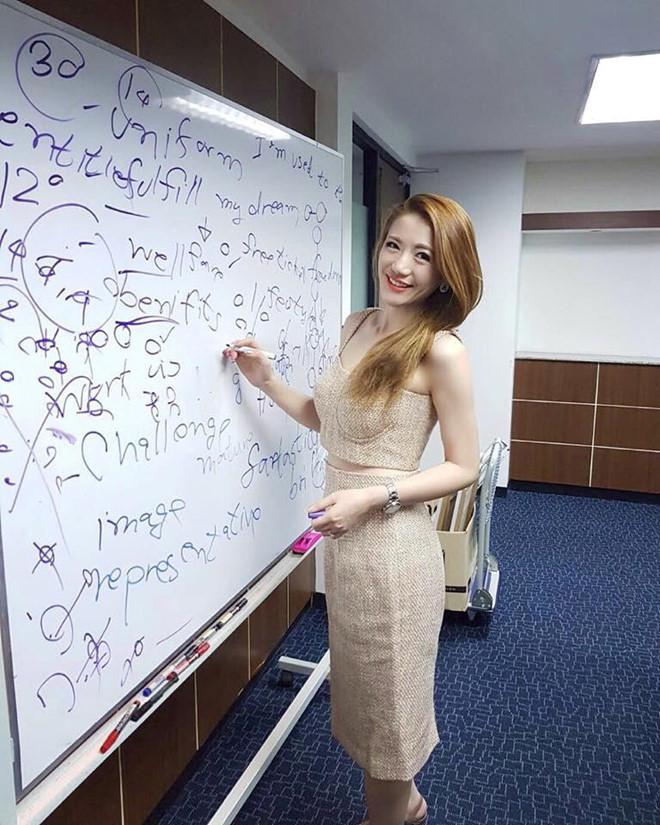 3 nữ giáo viên nổi như cồn trên mạng xã hội vì xinh như hotgirl  - Ảnh 1