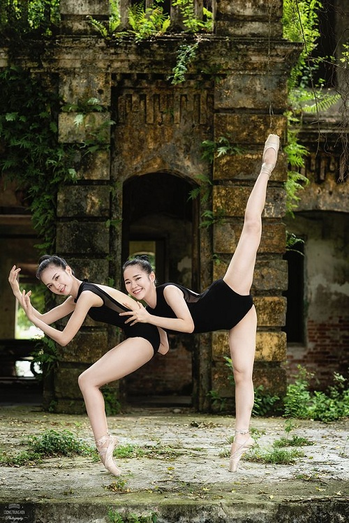 """Bộ ảnh múa ballet tuyệt đẹp của hai nữ sinh ĐH Văn hóa nghệ thuật Quân đội trong tu viện cổ """"đốn tim"""" dân mạng - Ảnh 2"""