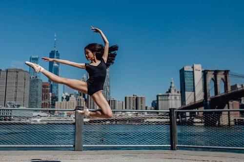 """Bộ ảnh múa ballet tuyệt đẹp của hai nữ sinh ĐH Văn hóa nghệ thuật Quân đội trong tu viện cổ """"đốn tim"""" dân mạng - Ảnh 6"""