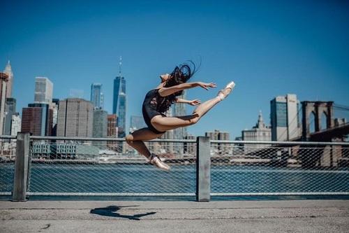 """Bộ ảnh múa ballet tuyệt đẹp của hai nữ sinh ĐH Văn hóa nghệ thuật Quân đội trong tu viện cổ """"đốn tim"""" dân mạng - Ảnh 7"""