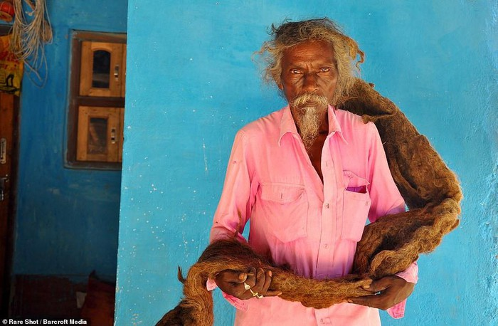 Dị nhân Ấn Độ không cắt tóc, gội đầu suốt 40 năm, biết lý do ai cũng sốc - Ảnh 2