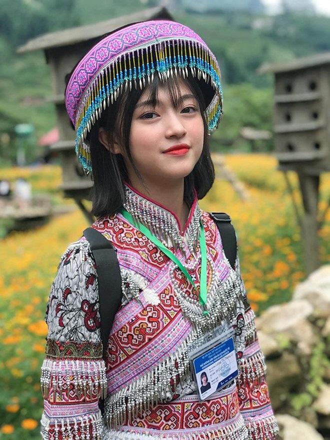 Mê mẩn trước vẻ đẹp thuần khiết của loạt nữ sinh Lào Cai - Ảnh 2