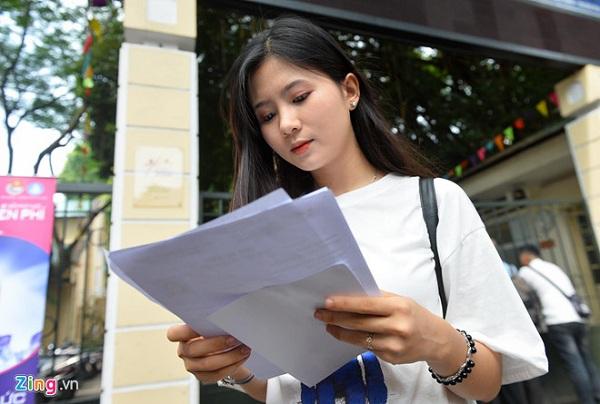 """Cận cảnh nhan sắc """"cực phẩm"""" của nữ sinh Việt lai Nga gây sốt tại cổng trường Học viện Báo chí –Tuyên truyền - Ảnh 3"""