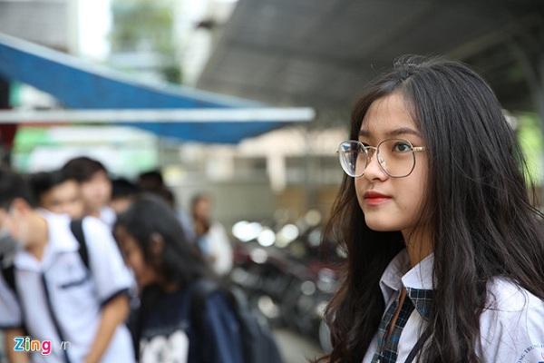 """Cận cảnh nhan sắc """"cực phẩm"""" của nữ sinh Việt lai Nga gây sốt tại cổng trường Học viện Báo chí –Tuyên truyền - Ảnh 4"""