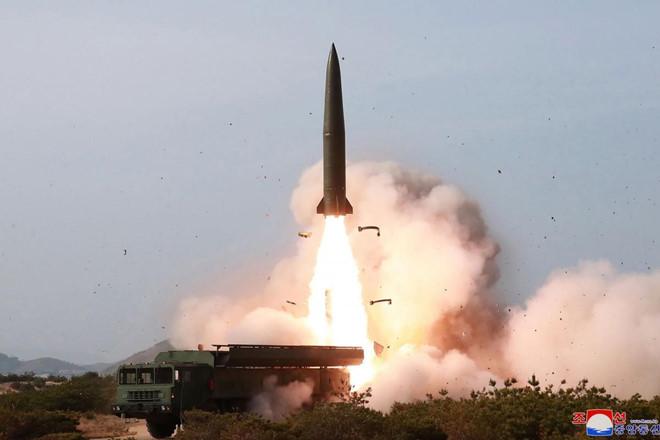 Triều Tiên lại phóng vật thể không xác định xuống biển Nhật Bản - Ảnh 1