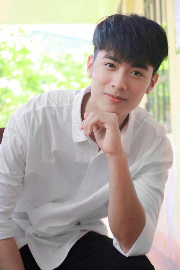 Nam sinh ĐH  Mở Hà Nội đẹp trai, nấu ăn ngon hớp hồn cư dân mạng  - Ảnh 1