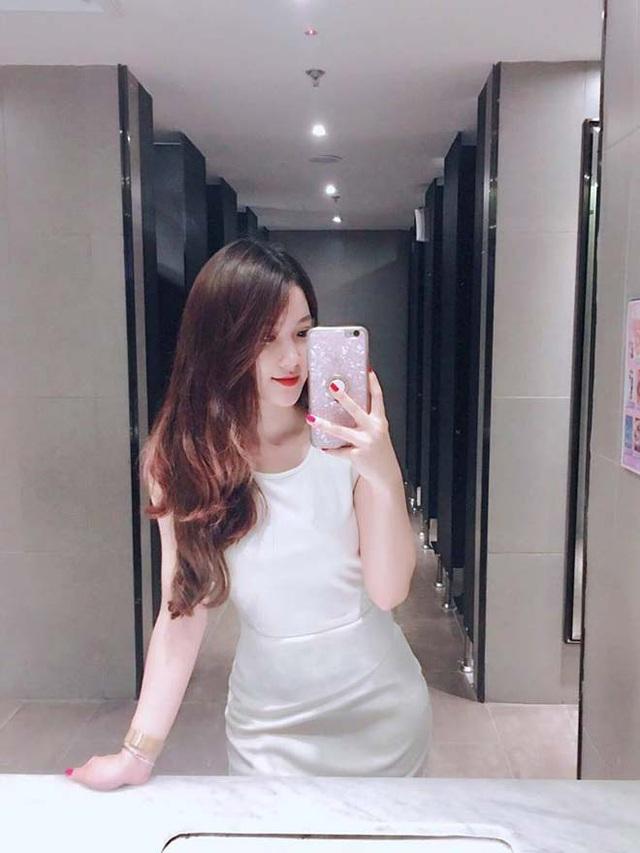 """Cuộc sống sang chảnh của nữ CĐV hot nhất trận U23 Việt Nam """"hạ gục"""" Thái Lan cách đây nửa năm - Ảnh 6"""