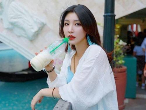 3 cô giáo Hàn Quốc cực hot trên mạng xã hội: Mặt xinh, body nóng bỏng chẳng thua kém hot girl - Ảnh 2