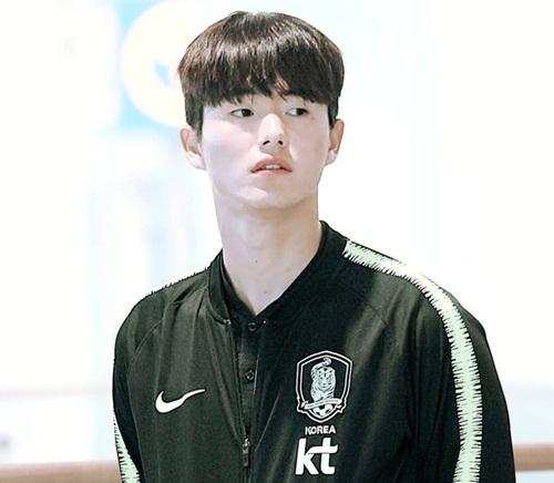 """Nhan sắc cực phẩm của soái ca U23 Hàn Quốc khiến hội chị em """"đứng ngồi không yên"""" - Ảnh 5"""