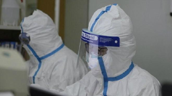Hong Kong tìm ra vắc xin virus corona  gây bệnh viêm phổi cấp - Ảnh 1