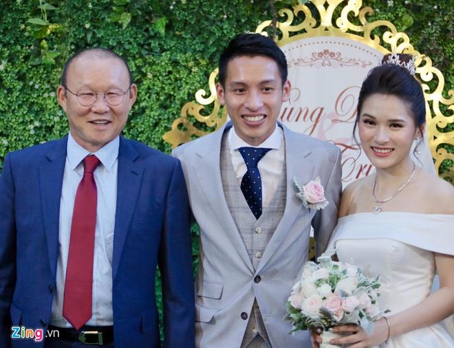 """""""Bố"""" Park chu đáo gửi món quà đặc biệt chúc phúc trò cưng Phan Văn Đức - Ảnh 2"""