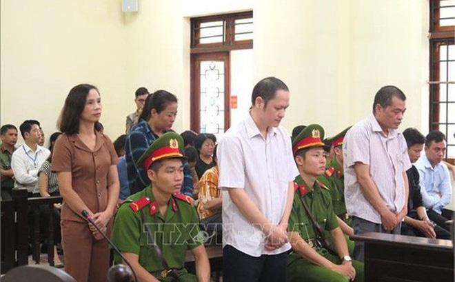 Gian lận thi cử Hà Giang: Khiển trách 13 đảng viên có con được nâng điểm thi - Ảnh 1