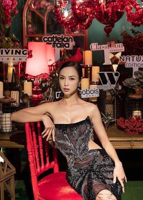 """""""Phát hờn"""" với vẻ đẹp gợi cảm của chân dài được Vũ Khắc Tiệp khen có body đẹp nhất Việt Nam  - Ảnh 2"""