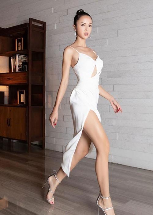 """""""Phát hờn"""" với vẻ đẹp gợi cảm của chân dài được Vũ Khắc Tiệp khen có body đẹp nhất Việt Nam  - Ảnh 3"""