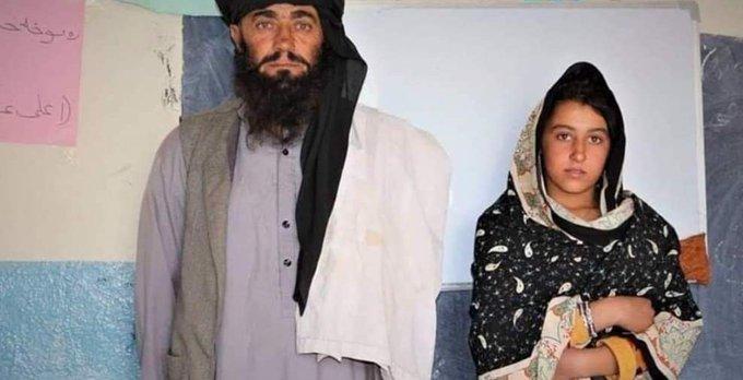 Câu chuyện cảm động về người cha mù đi bộ 12km mỗi ngày đưa con gái đi học - Ảnh 1