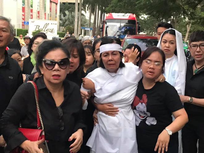 Con trai nghệ sĩ Chánh Tín chưa thể có mặt ở Việt Nam nhìn mặt cha lần cuối - Ảnh 1