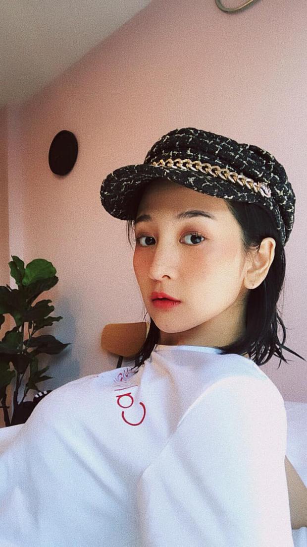 Thầy trò HLV Park Hang-seo được nữ dẫn đoàn xinh như nữ thần hộ tống tại VCK U23 châu Á - Ảnh 5