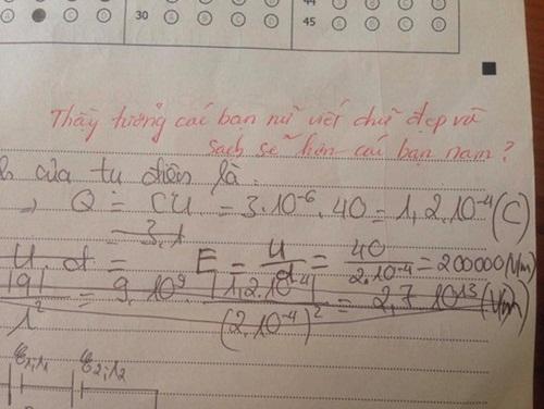 """Làm bài kiểm tra chữ xấu hơn gà bới, nữ sinh nhận lời phê """"bá đạo"""" từ thầy giáo - Ảnh 1"""