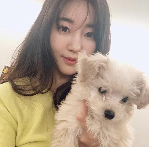 Hoa hậu không tuổi Hàn Quốc Kim Sa Rang đẹp không tỳ vết ở tuổi 42 - Ảnh 4