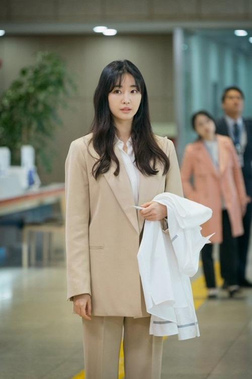 Hoa hậu không tuổi Hàn Quốc Kim Sa Rang đẹp không tỳ vết ở tuổi 42 - Ảnh 6