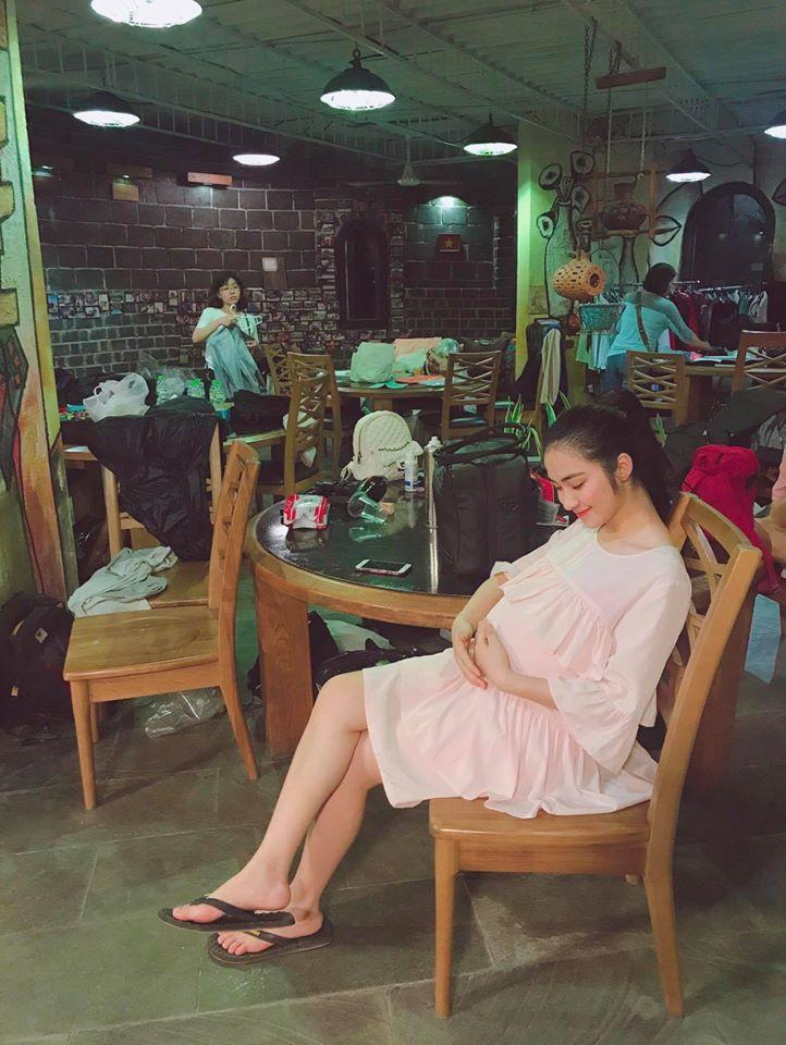 Sau loạt tin đồn bí mật sinh con đầu lòng, Hòa Minzy bất ngờ tiết lộ thời điểm kết hôn - Ảnh 2
