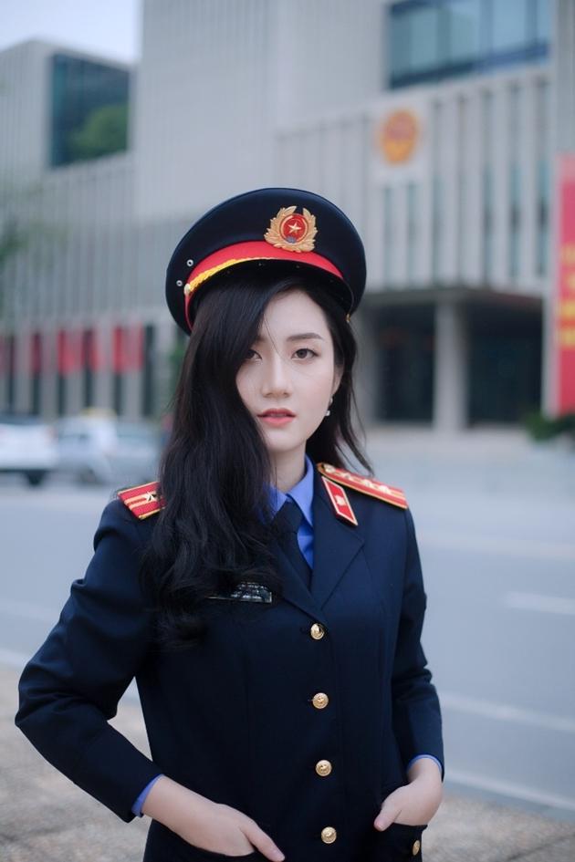 Nhan sắc đẹp tựa nàng thơ của nữ sinh đại học Kiểm sát Hà Nội