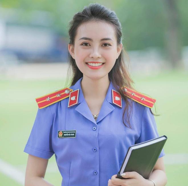 Nhan sắc đẹp tựa nàng thơ của nữ sinh đại học Kiểm sát Hà Nội - Ảnh 5