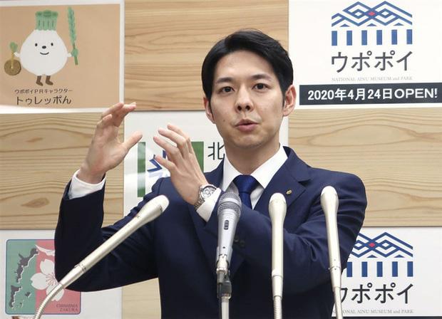 Ngoại hình thanh tú của Thống đốc trẻ nhất Nhật Bản gây sốt mạng xã hội - Ảnh 3