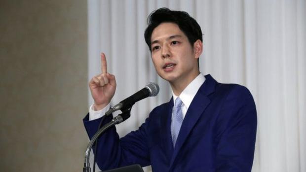 Ngoại hình thanh tú của Thống đốc trẻ nhất Nhật Bản gây sốt mạng xã hội - Ảnh 4