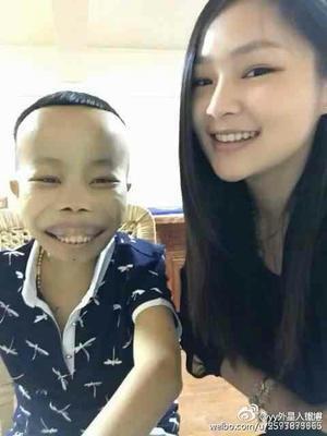 """Bất ngờ với cuộc sống hiện tại của """"thiếu gia xấu xí nhất Trung Quốc"""" từng nổi đình đám nhờ livestream - Ảnh 2"""