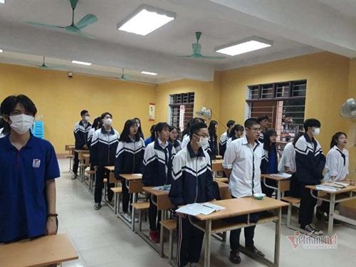Hình ảnh học sinh TPHT nhiều tỉnh, thành quay lại trường sau đợt nghỉ dài phòng dịch Covid-19 - Ảnh 2