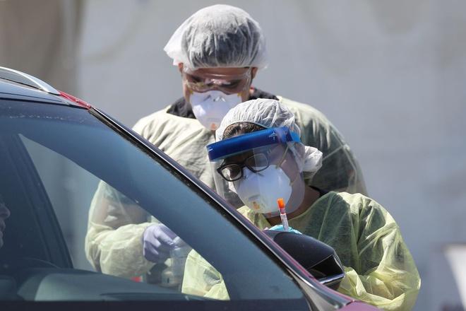 Vượt Trung Quốc và Italy, Mỹ đã dẫn đầu thế giới về số ca nhiễm Covid-19  - Ảnh 1