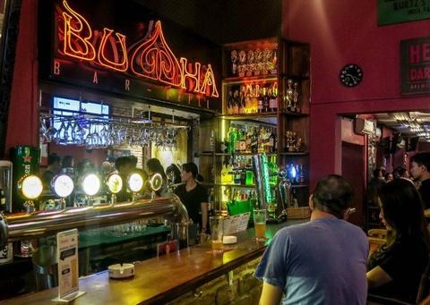 Phát hiện 12 nhiễm Covid-19 liên quan đến quán bar Buddha - Ảnh 1