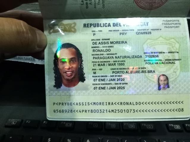 Lộ diện hình ảnh đầu tiên của Ronaldinho tại nhà tù Paraguay - Ảnh 2
