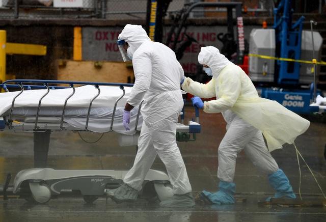 Số người chết vì Covid-19 tại Mỹ tăng kỷ lục, cả thế giới vượt 100.000 ca tử vong - Ảnh 1