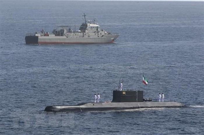 Iran xem xét kế hoạch chế tạo tàu ngầm hạt nhân - Ảnh 1