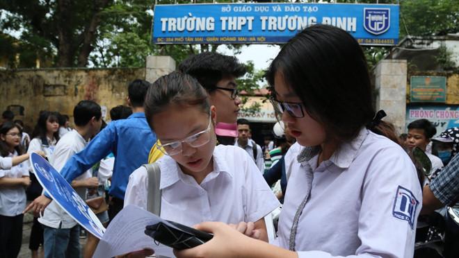 Tuyển sinh lớp 10 ở Hà Nội: Chính thức huỷ bỏ môn thi thứ 4 - Ảnh 1