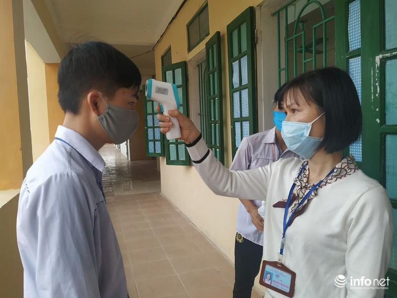 Học sinh Thái Bình, Cà Mau phấn khởi đi học trở lại sau kỳ nghỉ dài chưa từng có - Ảnh 3