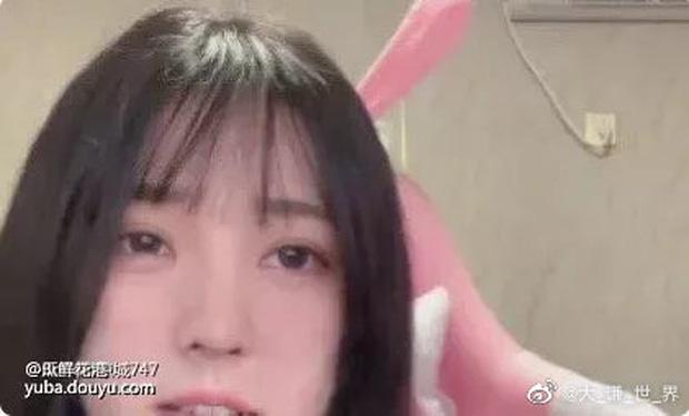 Nữ streamer vô danh bỗng nổi như cồn trên mạng xã hội sau khi tiết lộ khuôn mặt thật - Ảnh 3