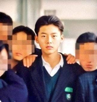 """Ảnh thời đi học của Huyn Bin – Son Ye Jin lại khiến dân mạng """"thổn thức"""" - Ảnh 3"""