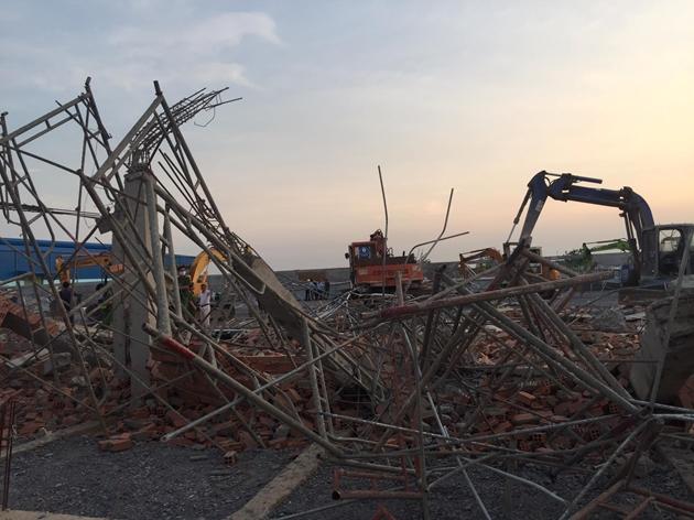 Nhân chứng vụ sập tường 10 người chết ở Đồng Nai: Vẫn chưa hết bàng hoàng về sự việc - Ảnh 1
