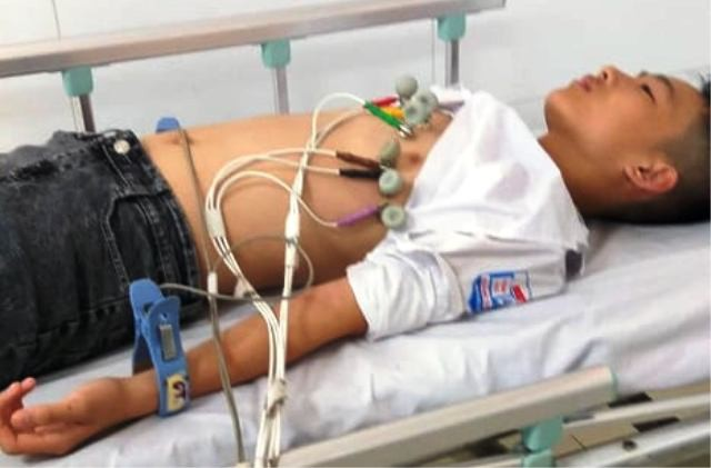 Yêu cầu kỷ luật thầy giáo thể dục ở Thanh Hoá bị tố đánh nam sinh lớp 7 nhập viện - Ảnh 1