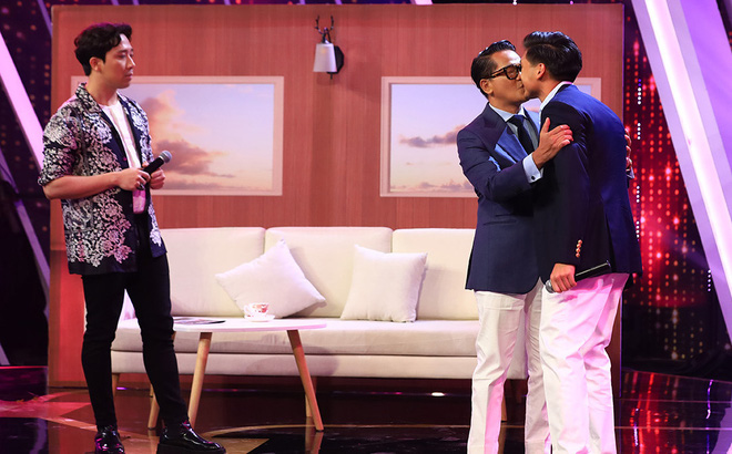 """Nụ hôn ngọt như """"mía lùi"""" và cuộc sống thành đạt, viên mãn của cặp CEO-NTK trong tập 4 """"Người ấy là ai"""" - Ảnh 1"""