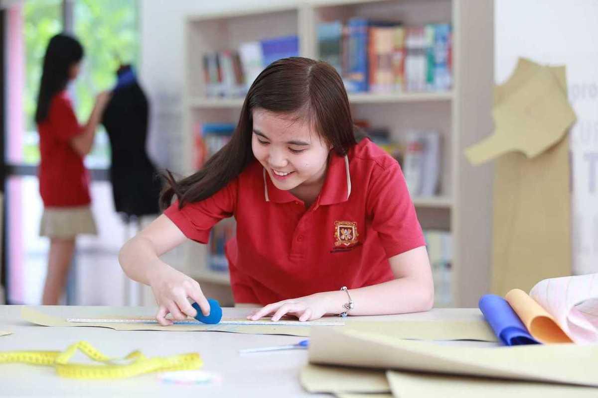 Vụ phụ huynh kéo đến trường phản đối học phí: Trường Dân lập Quốc tế Việt Úc TP.HCM có chi phí đắt cỡ nào? - Ảnh 3